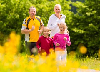 höhenrainer-Putenwurst-Menschen-Familie-Joggen