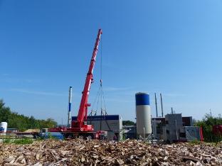 Höhenrainer-Delikatessen-Firma-Holzpellet-Aufbau-Umweltschutz