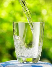 Höhenrainer-Putenwurst-Fit-in-den-Frühling-Wasser